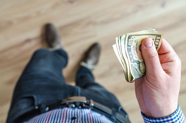 Tři chvíle, kdy si lidé berou půjčky naprosto běžně